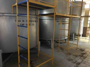Stainless steel fermentation tinas at Tequila Cascahuin