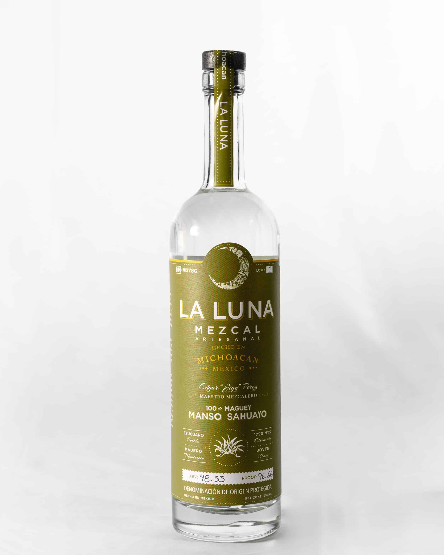The bottle for La Luna's Manso Sahuayo.